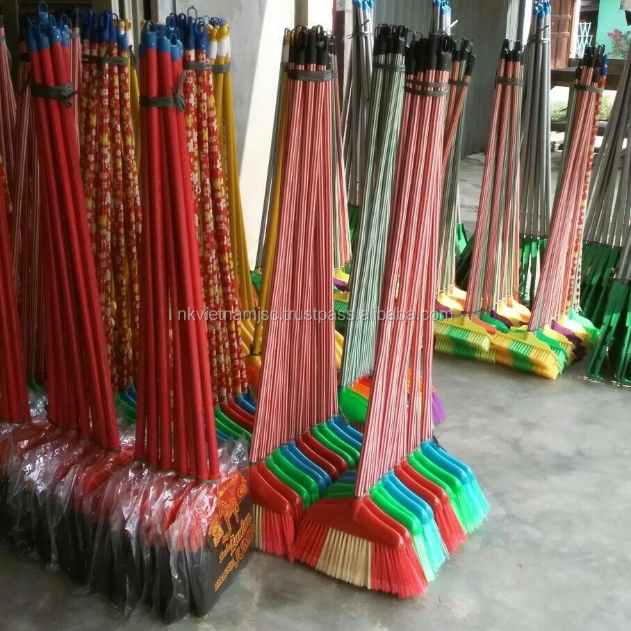 HOT SALE CHEAP FLOWER PVC COATED WOODEN BROOM STICK/ COLORFUL PLASTIC CAP WOODEN BROOM HANDLE