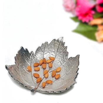 Christmas Bowls And Platters.Maple Leaf Aluminum Platter Decorative Tableware Item Leaf Design Dinnerware Serving Platter Tray And Bowl For Home Decor Gd1072 Buy Leaf Shaped