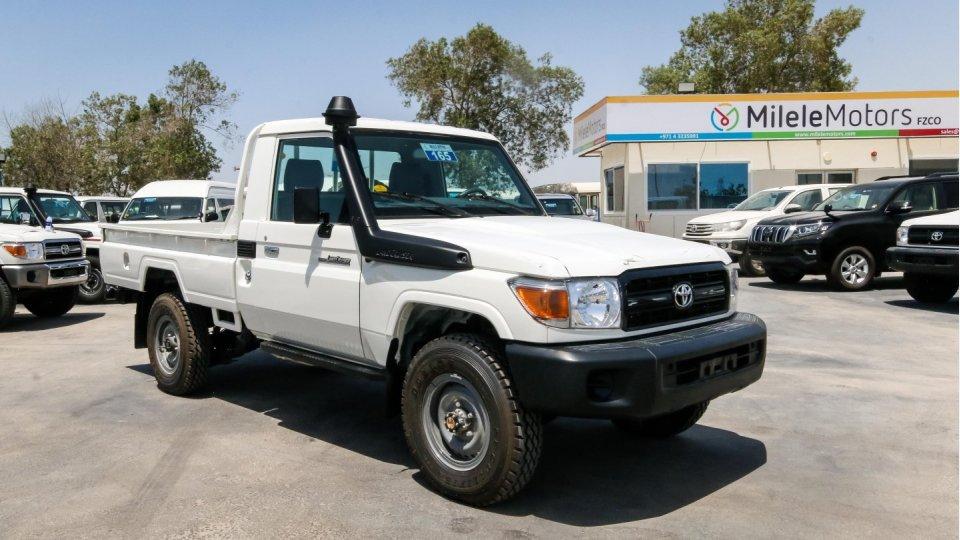 Toyota Diesel Truck >> Toyota Land Cruiser Single Cab Hzk 79 Hzj 4 2l Diesel Engine 6 Cylinder Left Hand Drive Buy Toyota Land Cruiser Toyota Land Cruiser Pickup Toyota