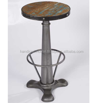 Phenomenal Industrial Vintage Reclaimed Wood Made Swirl Bar Stool With Cast Iron Metal Base Buy Antique Wood Iron Bar Stools Antique Metal Industrial Bar Ibusinesslaw Wood Chair Design Ideas Ibusinesslaworg