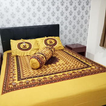 Beautiful 100% Cotton Fabric For Bed Sheets Batik Indonesia Solo Motive Printed Sheets