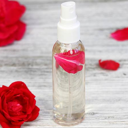 Calmante toner viso nebbia con Bulgara acqua di rose cfor private label
