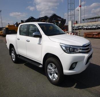Toyota Turbo Diesel Truck >> Toyota Hilux Revo Mengambil Double Cabin Turbo Diesel Luxe