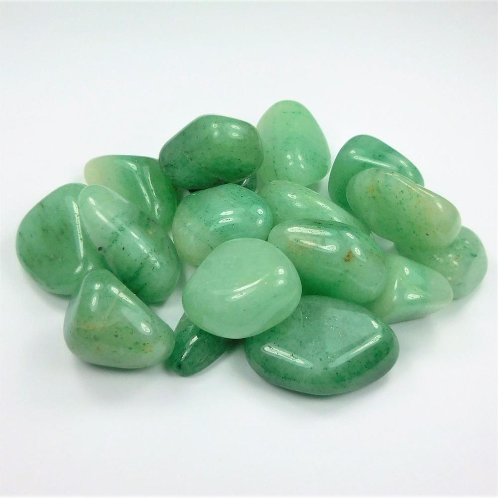 поняли, зеленые поделочные камни фото и названия когда кухня просторная