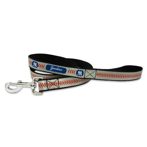 MLB New York Yankees Baseball Pet Leash, Reflective