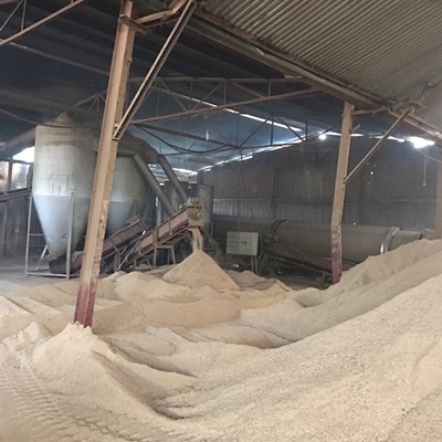 Wood Shavings Poultry Farming/Animal Bedding Before Winter