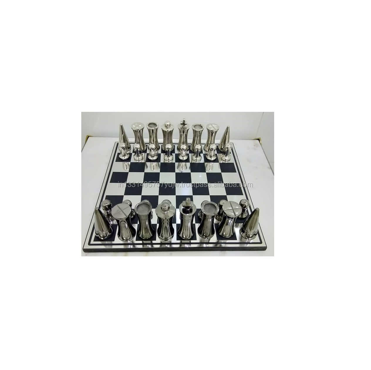 Wooden chess design with Metal players chess board set