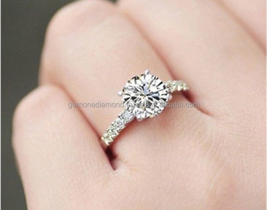 brilliant in solitaire diamond cut gold carat white p ring