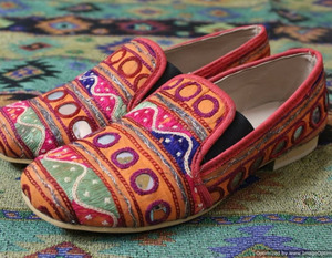 Tribal Women Bohemian Style Embroidery Leather Ladies Shoes 2017
