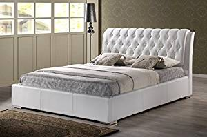 Contemporary Tufted Queen Size Bed in White Faux Leather