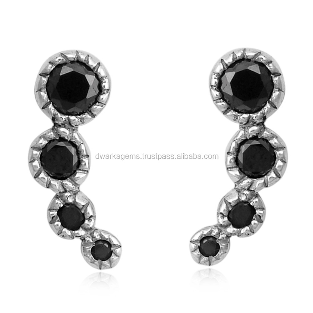 one black capture stone earrings