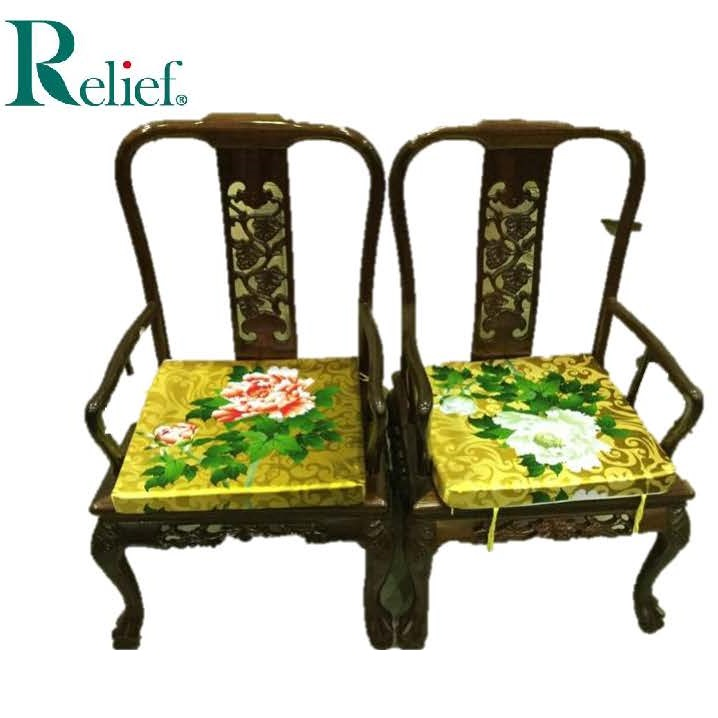 Comfortable and Fashionable tables and chairs used for restaurant at reasonable prices