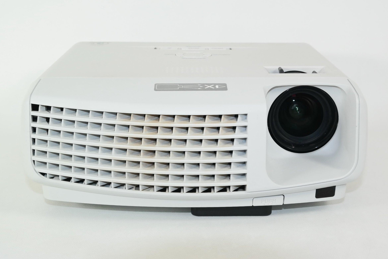 Get Quotations · Mitsubishi XD430U DLP Projector - 2500 Lumens, 2000:1  Contrast
