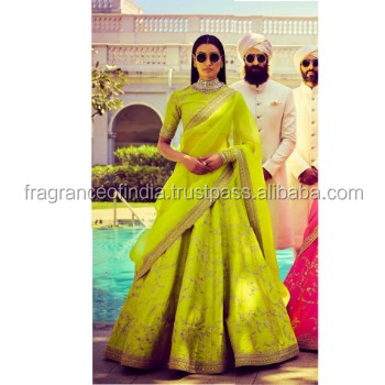 Latest Bridal Wedding Lehenga Designs 2018 Buy Red Bridal Lehenga