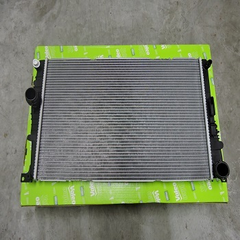 New Auto Car Parts For BMW 3-Series F30 N47 Air Conditioning Radiator