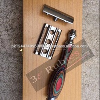 wooden handle safety razor by 3e Rubies