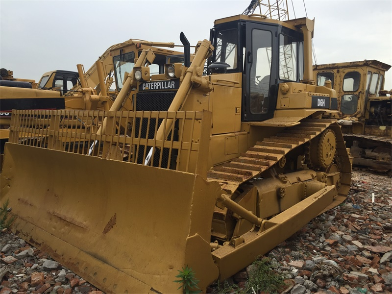 good price japanese original CAT brand used bulldozer d6h for sale