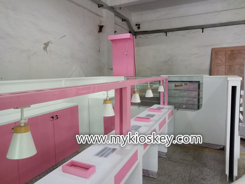 Nail Bar Kiosk for manicure