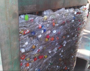 Factory price cold and hot washed clear pet bottle flake plastic scrap