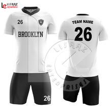 Faça cotação de fabricantes de Uniforme De Futebol Baratos de alta  qualidade e Uniforme De Futebol Baratos no Alibaba.com 42744deca5af4