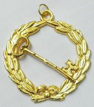 Masonic Freemason Grand Trustee Collar Jewel in Gold
