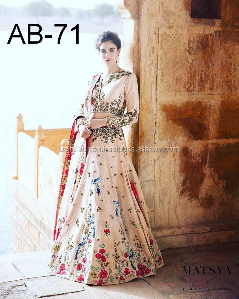 026c78e857 Concepteur de couleur bleue beau mariage Bollywood et les femmes de mariée  portent pour Lehenga Choli