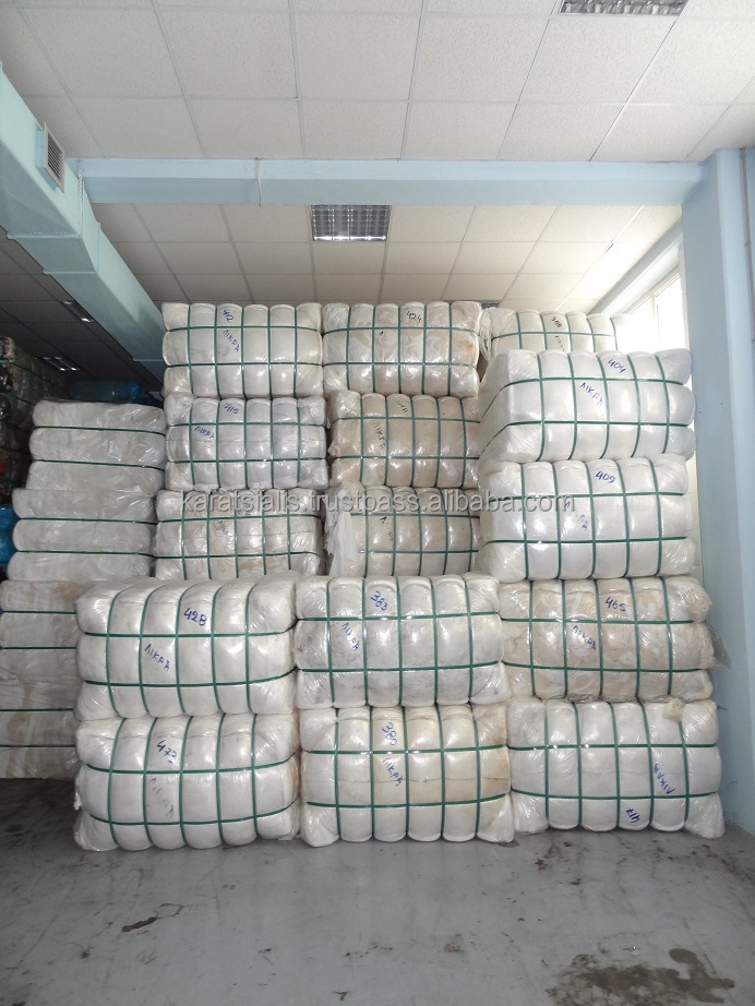 MIX WHITE-ECRU FABRIC CUTTINGS (CLIPS) AND MIX QUALITY (COTTON, COTTO/LYCRA etc.) BALES
