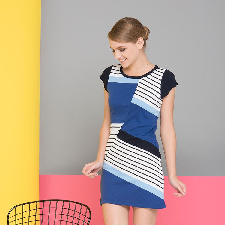 Sesuaikan Desain Pola Gaun Elegan Terbaru untuk Wanita
