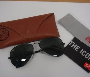 Used Ray-Ban Aviator Black high quality Sunglasses for bulk sale. Many brands and designs available.