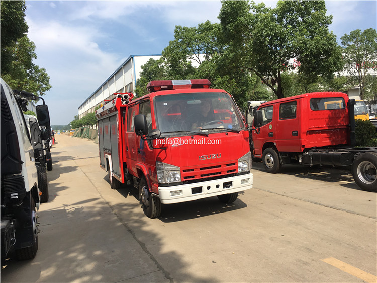 I-SUZU 3000L 4000L forest fire fighting truck for sale