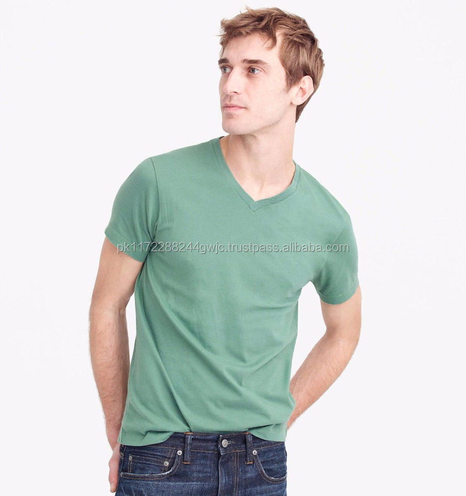 Mens clothing 2017 summer soft fabric comfortable plain t-shirt/All colors custom fashion V neck t shirts for men