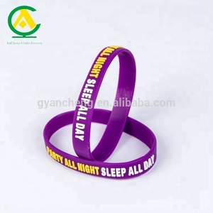 fashional business gift use silicone armbands for fashion accessory