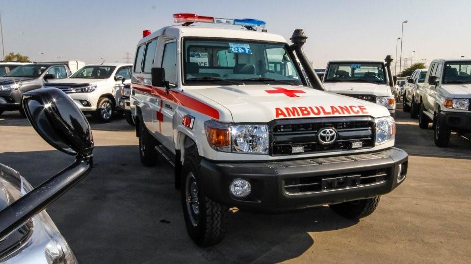 6e16fb3d58 Toyota Land Cruiser Hardtop Hzj Ambulance 4.2l Diesel 6 Cylinder ...