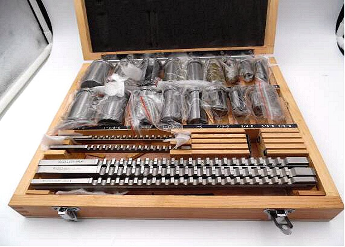 Keyway Broach Set 30pcs HSS Inch Sizes 1/8B 3/16B 1/4C 3/8C 5/16C Broaches with 1/2-1-1/2 Bushings and 7pcs Shims