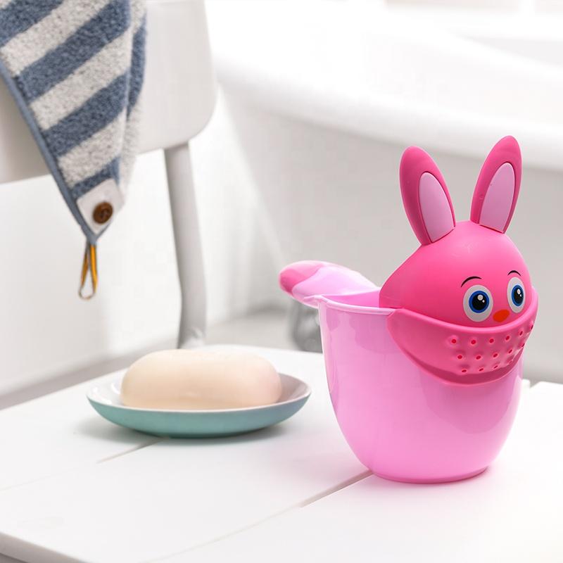 पशु आकार bpa मुक्त बच्चों शावर कप दो रंग बेबी शैम्पू कप