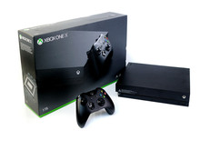 Brand New Microsoft <span class=keywords><strong>Xbox</strong></span> One X console 1TB Controller with Games &amp; Controllers